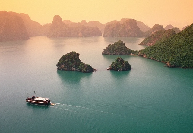 Halong Bay & Cat Ba Island Tour Photos