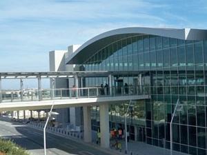 Aeropuerto Internacional de Larnaca