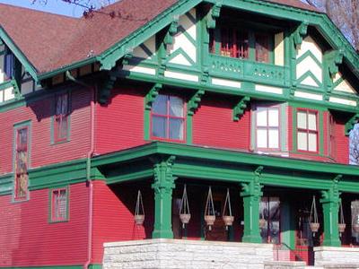 Olaf Lee House