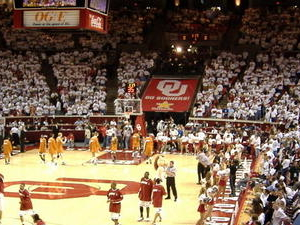Lloyd Noble Center