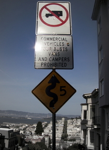 Lombard Street's Sign