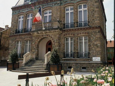 Villiers Le Bel City Hall