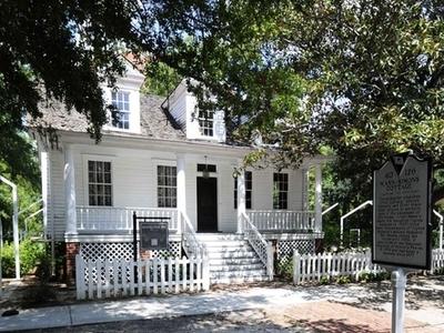Mann  Simons  Cottage