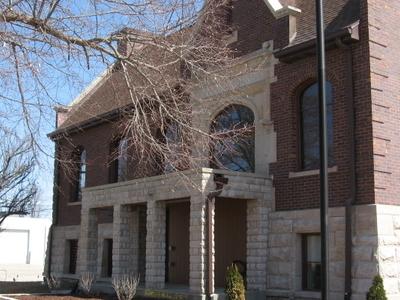 Marengo  Public  Library