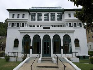Maurice Casa de Baños