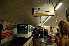 Line 10 Platforms At Michel-Ange - Molitor