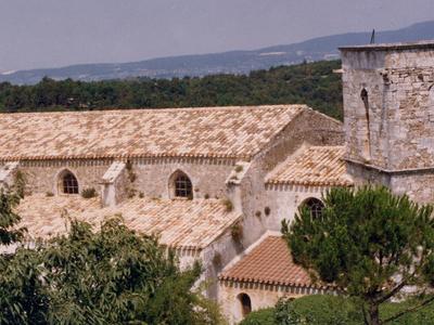 Menerbes  Eglise