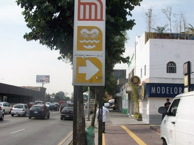 Metro Eduardo Molina