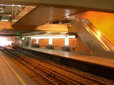 Thieffry Metro Station