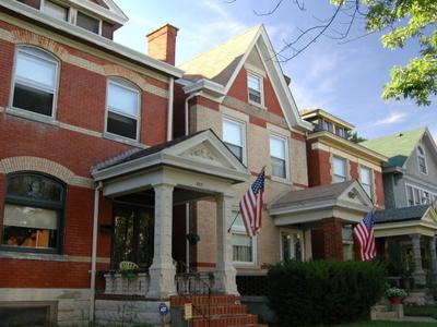 Newport  Kentucky  East  Row  Historic  District  7 6 5 2 9 1 6
