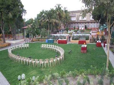 Nilambag-Palace-Bhavnagar