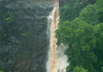 Ninai Waterfall