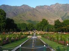 Nishat Bagh - Mughal Gardens In Srinagar