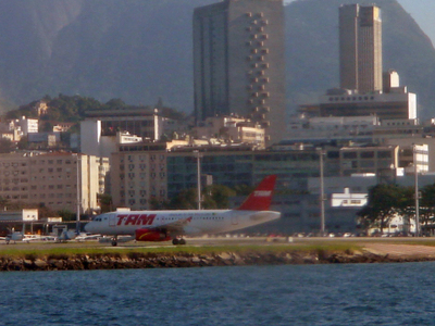 Airbus 319 Of TAM Airlines Taking Off On The Short Santos Dumont