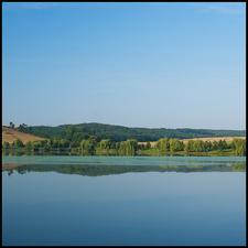 Nőtincs Lake