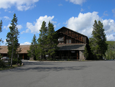 Old Faithful Lodge - Yellowstone - USA