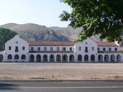 Train Station Caliente