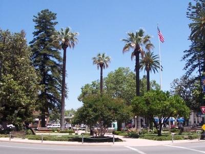Orange Plaza 2005