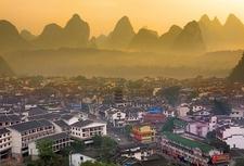 Overview Yangshuo Town - Guangxi