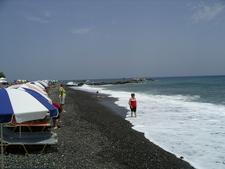 Perissa Beach Santorini2