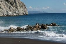 Perissa Beach Santorini4