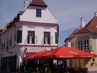 Exposición permanente de Margit Kovács - Kreszta-House