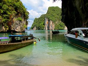 Phuket Package Tour With Simon Cabaret Show