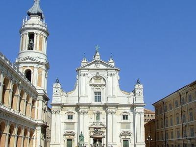 Piazza Della Madonna
