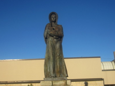 Pioneer  Mother Of  K S Statue