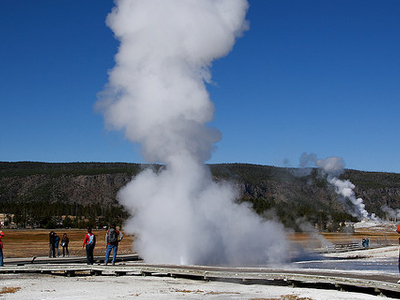 Plume Geyser - Yellowstone - USA