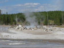Porkchop Geyser - Yellowstone - USA