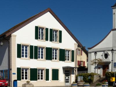 Prverenges   Prverenges Village Center