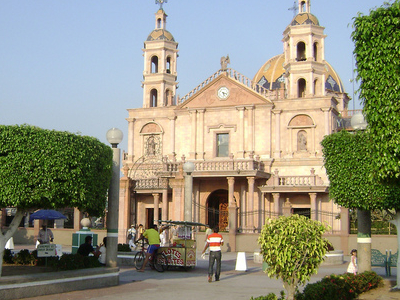 Parque Central And Parish Of San Francisco Of Asís
