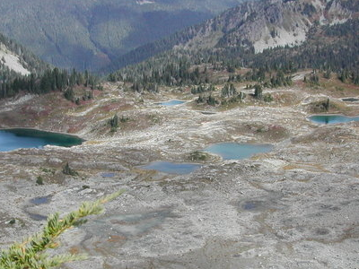 A View Into Seven Lakes Basin