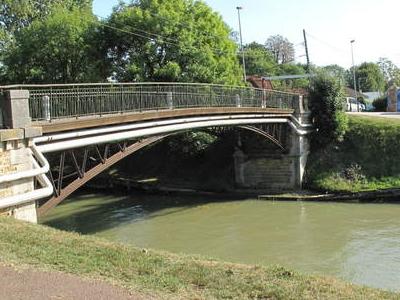 Pont Sur Canal  Chelles