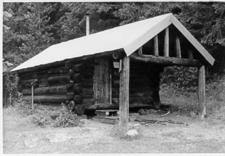 Quartz Lake Patrol Cabin - Glacier - USA