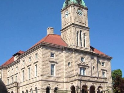 Rockingham County Courthouse In Court Square In Downtown Harriso