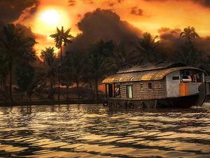 Romantic Kerala Honeymoon Tour Package Photos