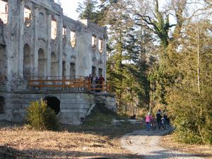 Ruinas del Castillo de Póstelek
