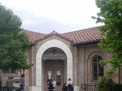 Robert Louis Stevenson Branch Library  2 C  Los  Angeles