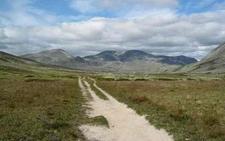 A Path In A U-valley