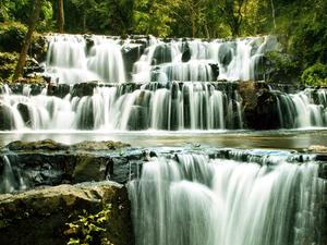 Waterfalls at Saraburi Fotos
