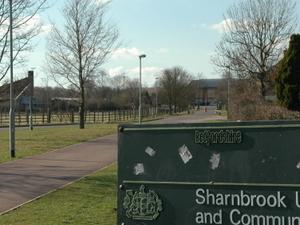 Sharnbrook Alta Escuela y el Colegio Comunitario