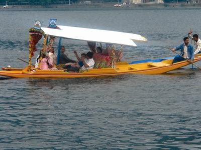 Shikara Boat Ride At Dal Lake, Srinagar