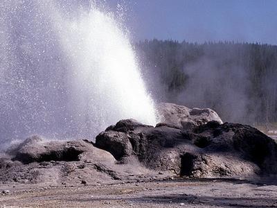 Shoshone Geyser - Yellowstone - USA