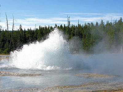 Solitary Geyser - Yellowstone - USA