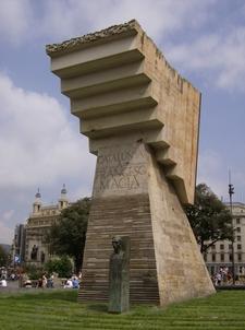Francesc Macià Monument