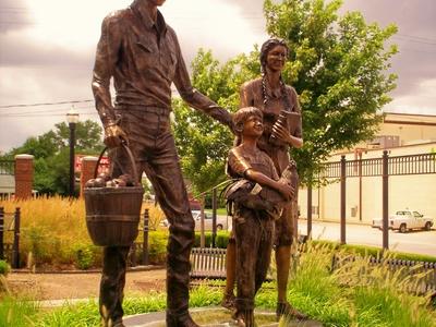 Statue Downtown  Broken  Arrow  Oklahoma