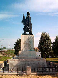 Statue Of The Heroes-Ráckeve