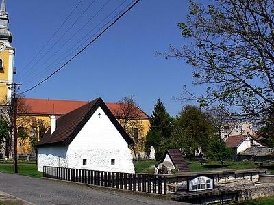 St. Lawrence Parish Church Paszto